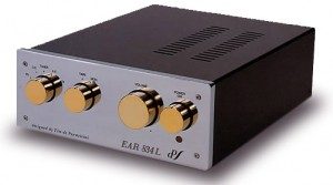 Preamplificador EAR 834L
